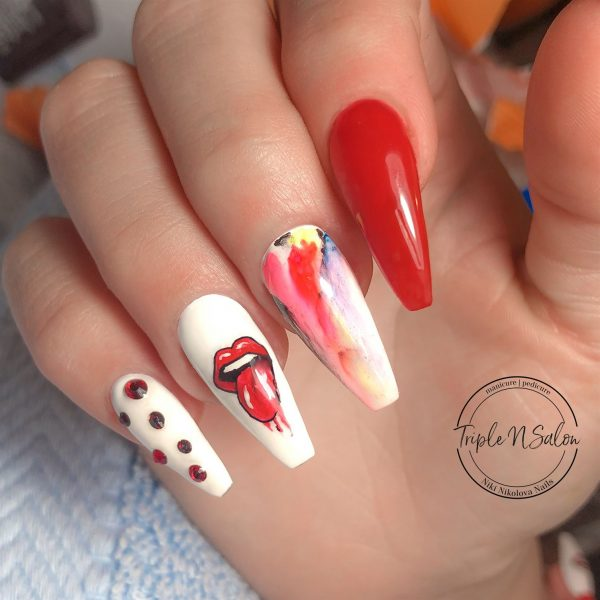 Lips nail art with nail sharpie watercolour effect