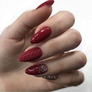 red knitted nails