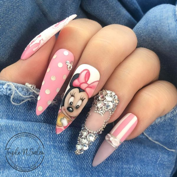 minnie mouse disney nail art in london hand painted detailed @home_of_deva